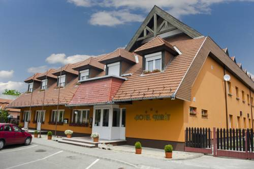 Karát Hotel