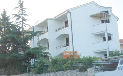 Apartments Dekanić