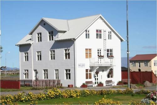 Mikligardur Guesthouse