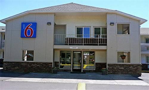 Motel 6 McMinnville
