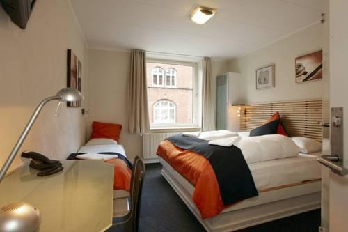 Ydes Budget Hotel