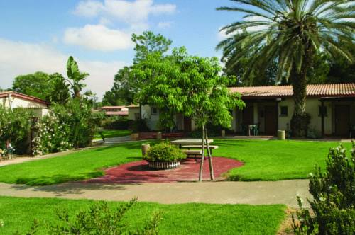 Mashabei Sade Kibbutz Country Lodging