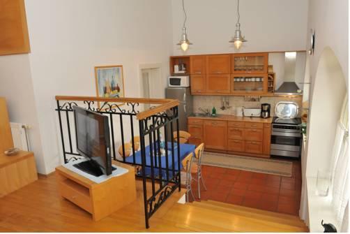 Apartment Anton Tour As