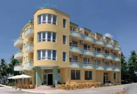 Hotel Lazuren Briag