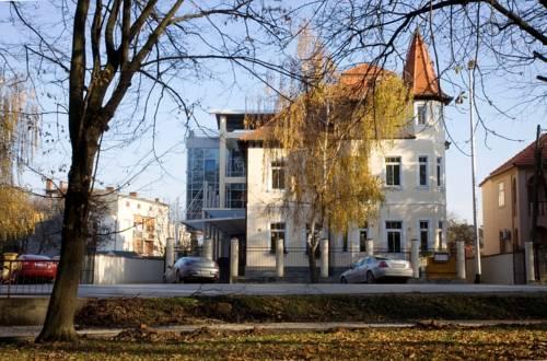 Villa Lenije