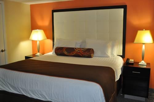 3 Palms Oceanfront Resort