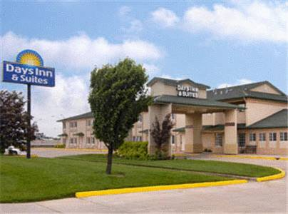 Days Inn & Suites Wichita
