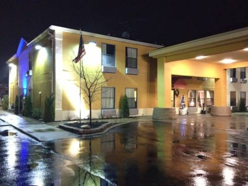 Days Inn Great Lakes - North Chicago