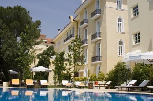 Pentelikon Hotel