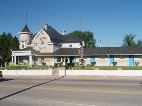 Rosemount Motel