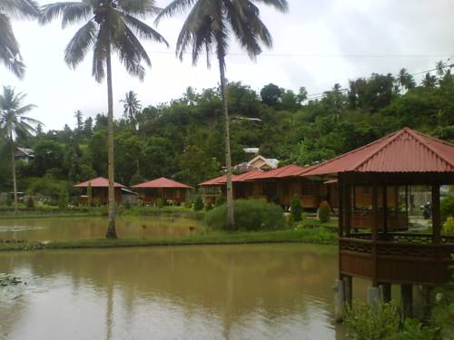 Golden Lake Resort