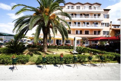 Hotel Nirikos