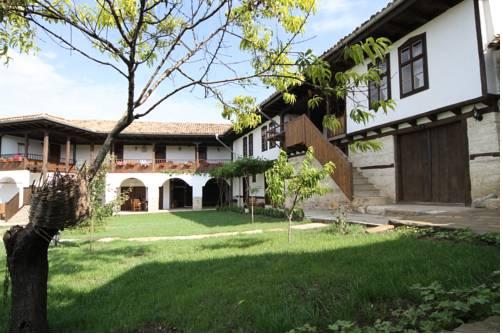 Osmarski Houses