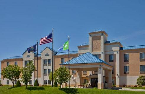 Holiday Inn Express Hotel & Suites Hutchinson-At The Mall