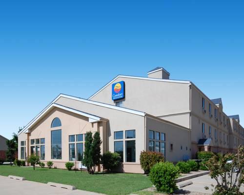Comfort Inn & Suites Moore