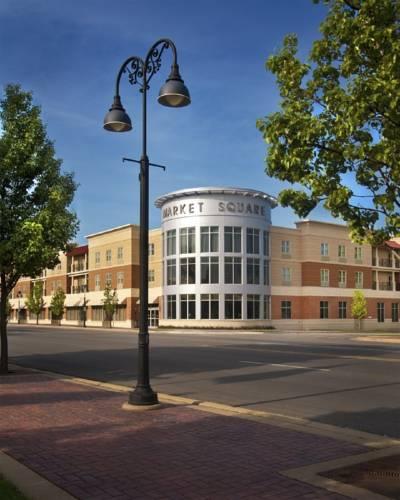 Best Western PLUS Inn & Suites at Market Square