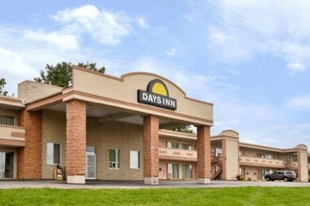 Days Inn Saint Louis North
