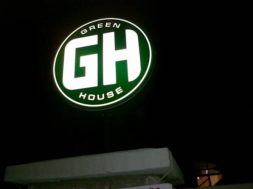 GreenHouse Hotel