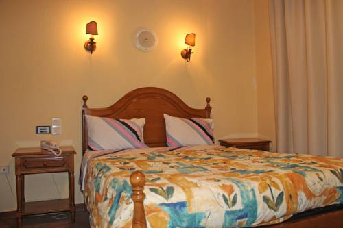 Residencia Vale Formoso B&B and Parking