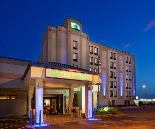 Holiday Inn Express Hotel & Suites Omaha - Southwest