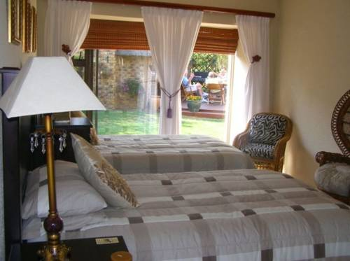 Avon Road Guest House & Tours