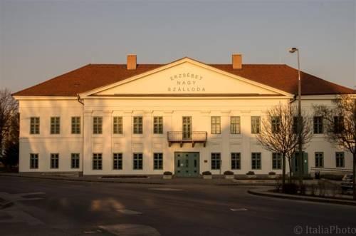 Hotel Erzsébet Paks