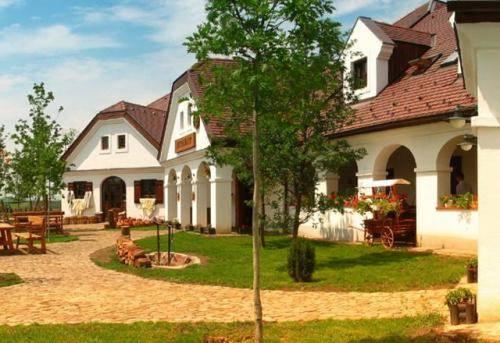 Gastland M1 Restaurant & Conference Center