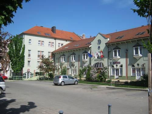 Pálma Hotel