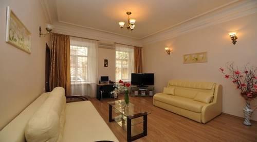 Renaissance Suites Odessa Apartment-Hotel