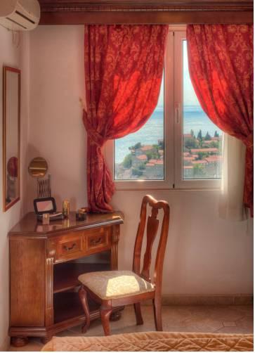 Hotel Adrovic