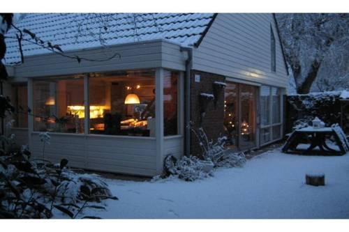 Holiday Home Sollasi Noordwijkerhout I