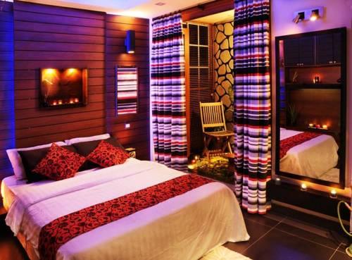 Dace Hotel