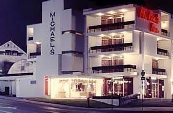 Michael's Inn Fallsview Hotel