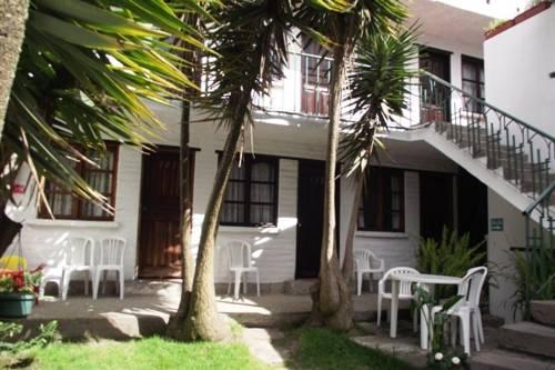 Hostal L'Auberge Inn
