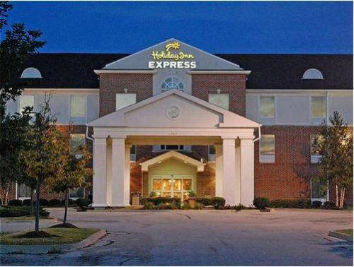 Holiday Inn Express Hotel & Suites Chicago-Algonquin