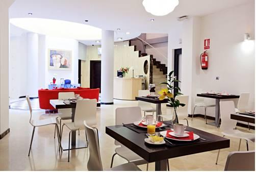 Hotel Los Girasoles II