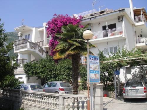 Apartments Rajak
