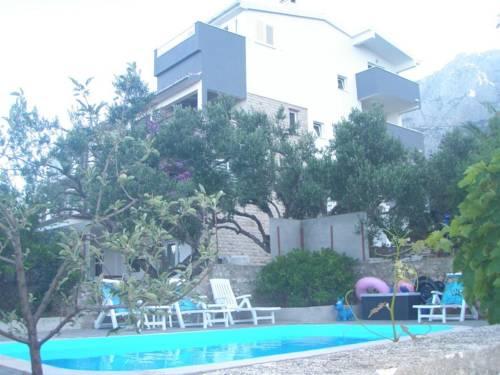 Apartments Mila Makarska