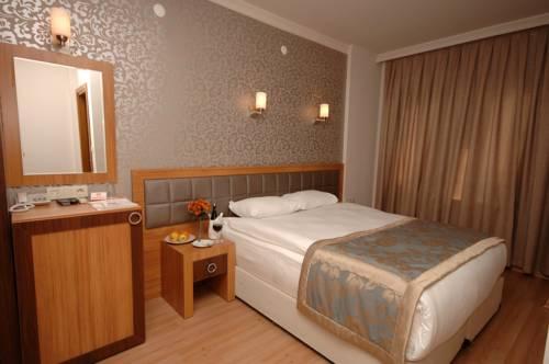 Comfort Anzac Hotel