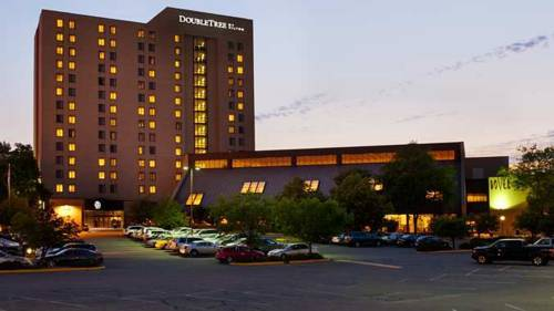 DoubleTree by Hilton Minneapolis Park Place