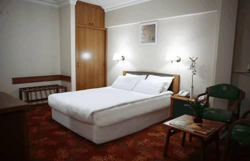 Arma Hotel