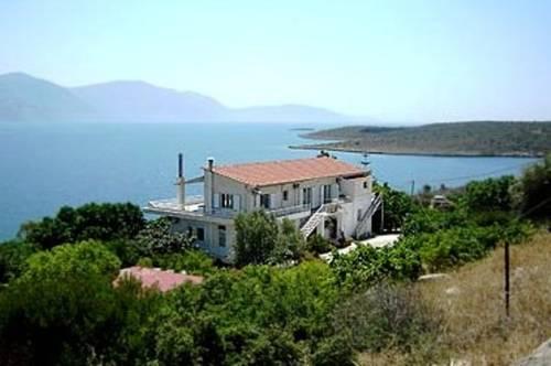 Villa Tsakiri