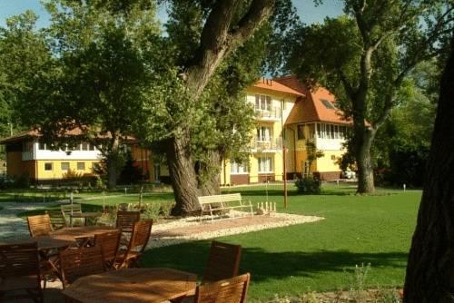 Tópart Hotel