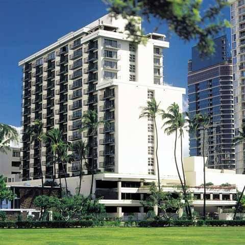DoubleTree by Hilton Alana Waikiki Hotel