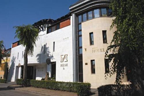 Hozam Hotel