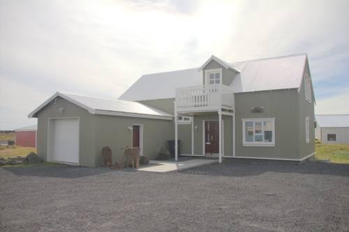 Steinar Guesthouse