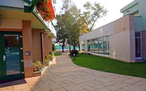 Hotel Aquarelax Senec