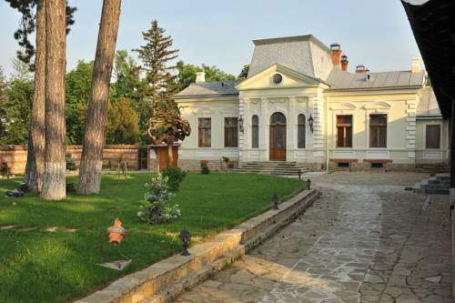 Polizu Manor