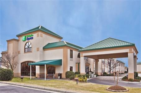 Holiday Inn Express Hotel & Suites Spring Lake - Fort Bragg / Pope AFB