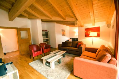 All Seasons Lodge by All in One Apartments